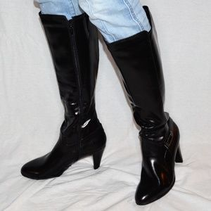 NWOT Kelly & Katie Heeled Boots